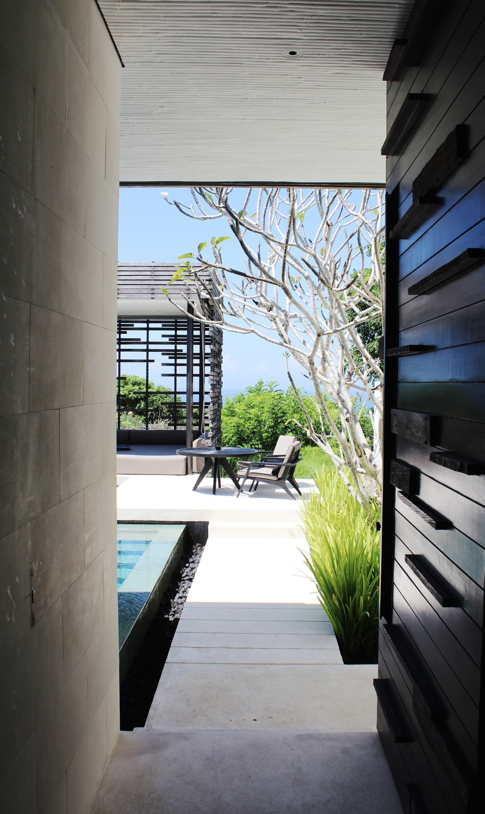 alila villas uluwatu luxury bali the wave provocateur