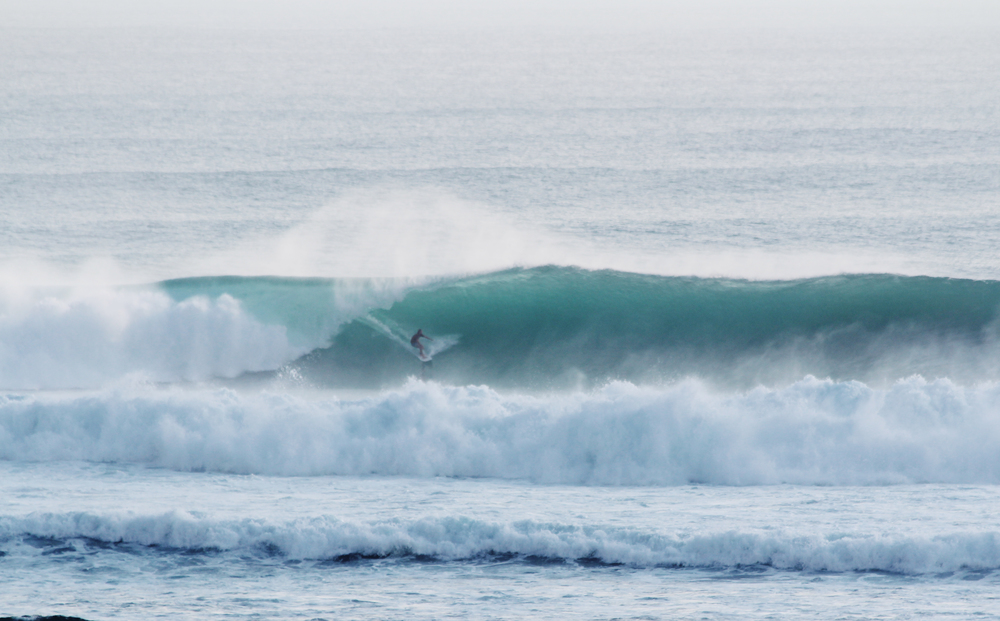 mitch mccann uluwatu bali surfing wave provocateur